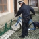 Stojan CITY zamykatelný - vkládání kola